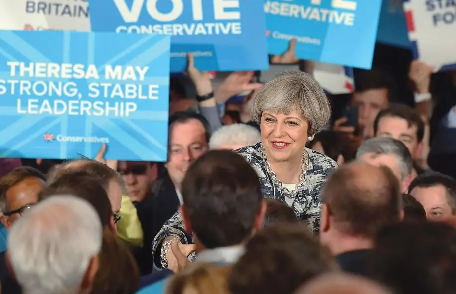 Dans cette dernière ligne droite, mercredi, Theresa May est allée conforter ses partisans dans des circonscriptions ayant voté pour le Brexit.