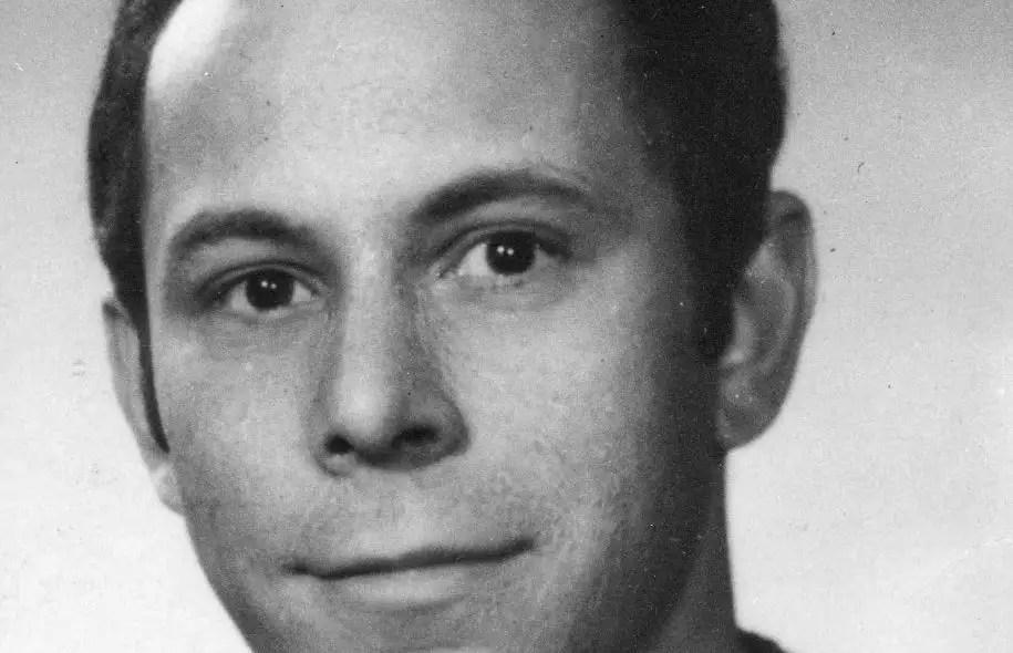 Réjean Ducharme aura vécu dans le plus grand anonymat pendant 50 ans, mais dès son décès, des voix se sont élevées pour réclamer un hommage public, voire des funérailles nationales.
