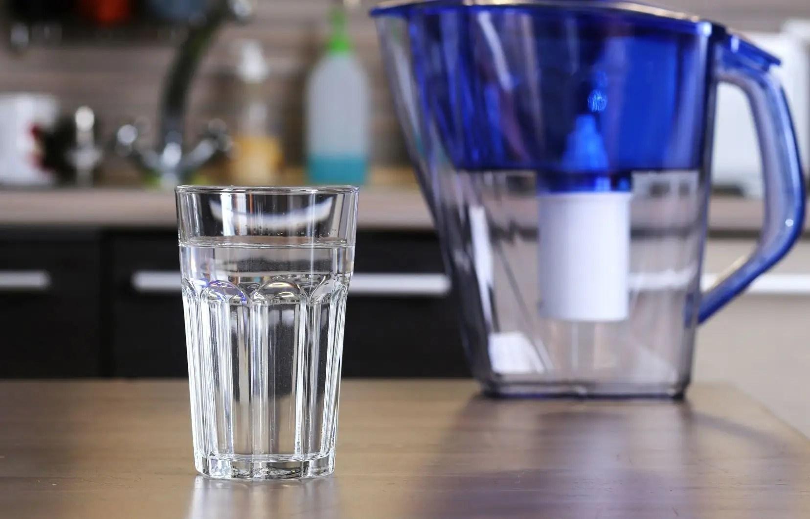plomb dans l eau les pichets filtrants