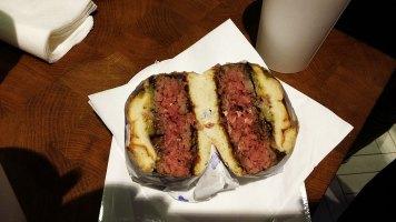 Naše maso burger
