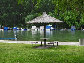 Mesto za piknik u prvom redu do vode:-)