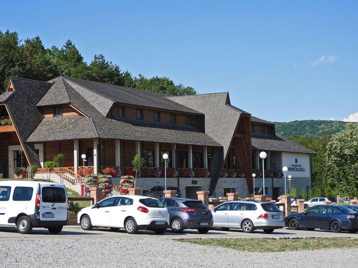 Etno hotel