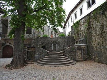 stepenice u dvorištancetu