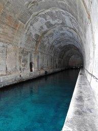 tunel za podmornice Vis