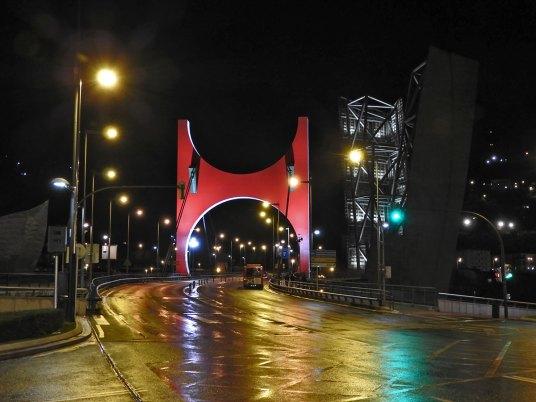 crveni-most by night