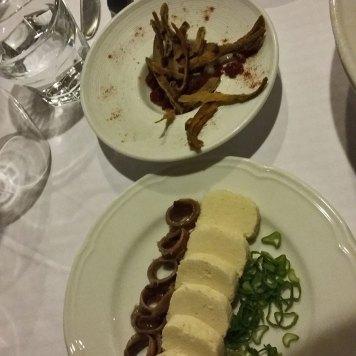 riblje kosti odlične i pašteta sa inćunima