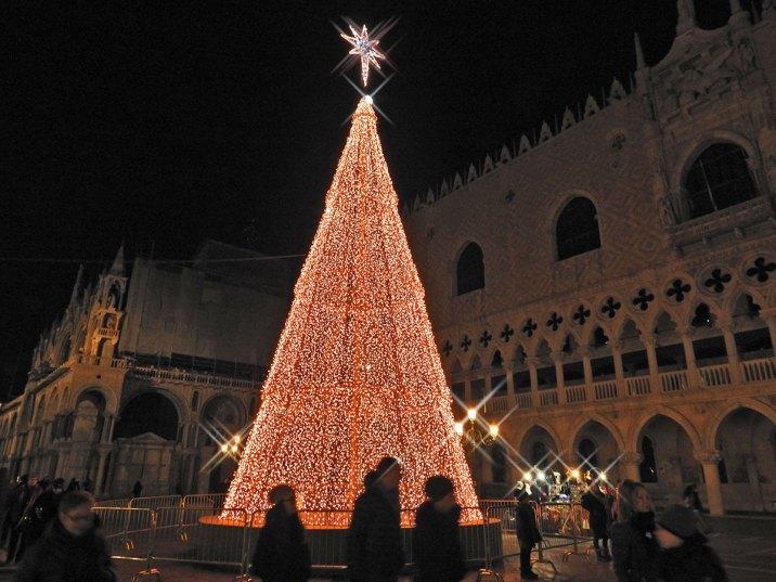 novogodisnja jelka u Veneciji