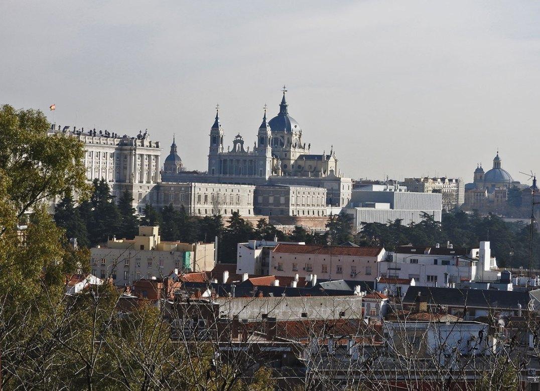 pogled na Palacio Real i Katedralu