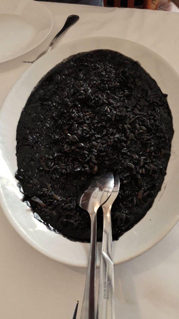 Gostilna Žeja crni rižoto