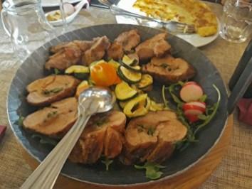 svinjsko meso sa šparglama-i-slaninom-mekiši