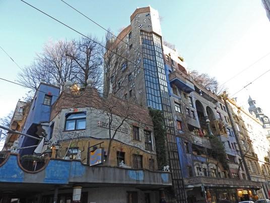 Hundertwasser-house7