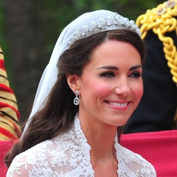 Kate Middleton s Wedding Makeup Pictures   POPSUGAR Beauty Whether or not Kate Middleton did her own wedding makeup remains unknown   but the rumor is she took lessons from makeup artist Arabella Preston to  perfect