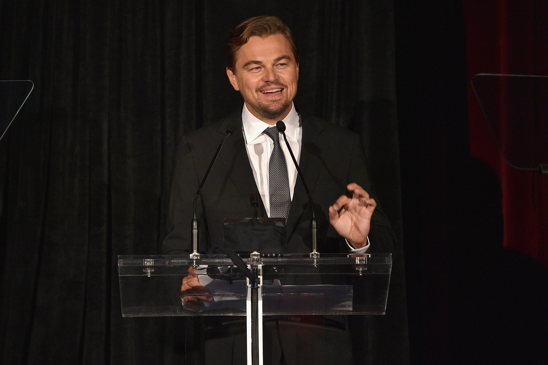 Leonardo DiCaprio fa unapparizione sul palco bella agli onori di DGA