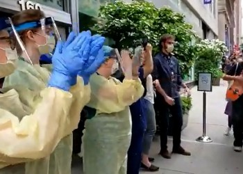 "This Hospital Staff Clapped For Passing Protesters, and They Cheered ""Thank You"" in Response"