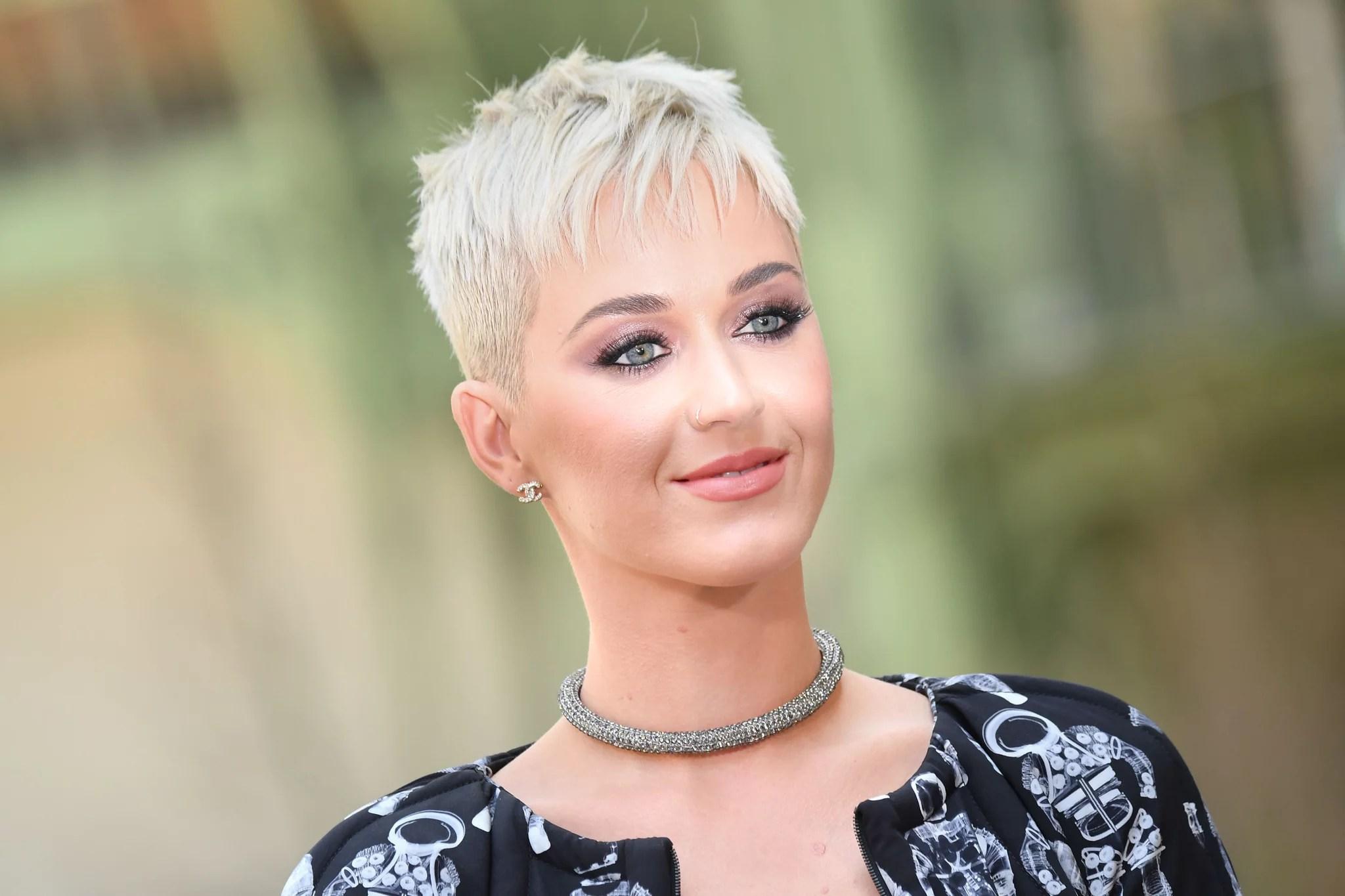 Katy Perrys New Haircut Pixie