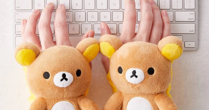 These Teddy Bear Hand Warmers Are What's Going to Get Us Through the Winter