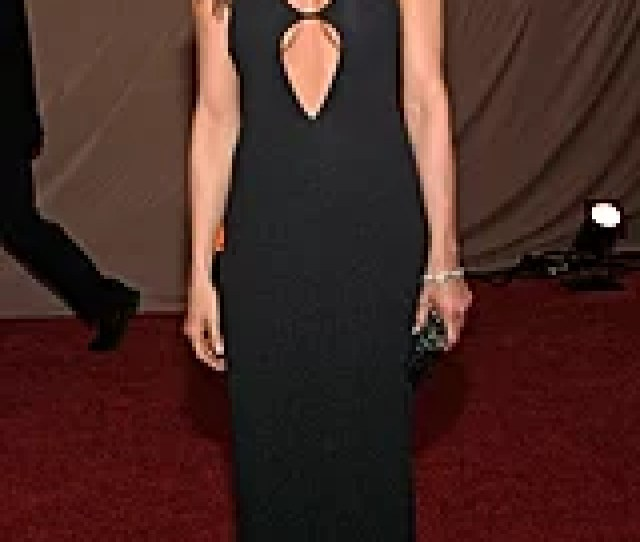 For The  Sag Awards Jennifer Aniston Worked A Subtly Sexy Double Cutout Gown