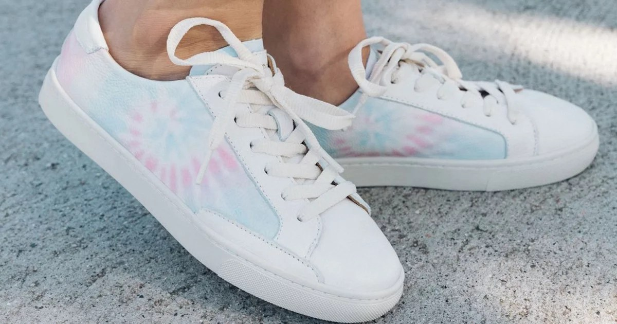 The 16 Cutest Tie-Dye Sneakers on the Internet Can Hardly Stay in Stock