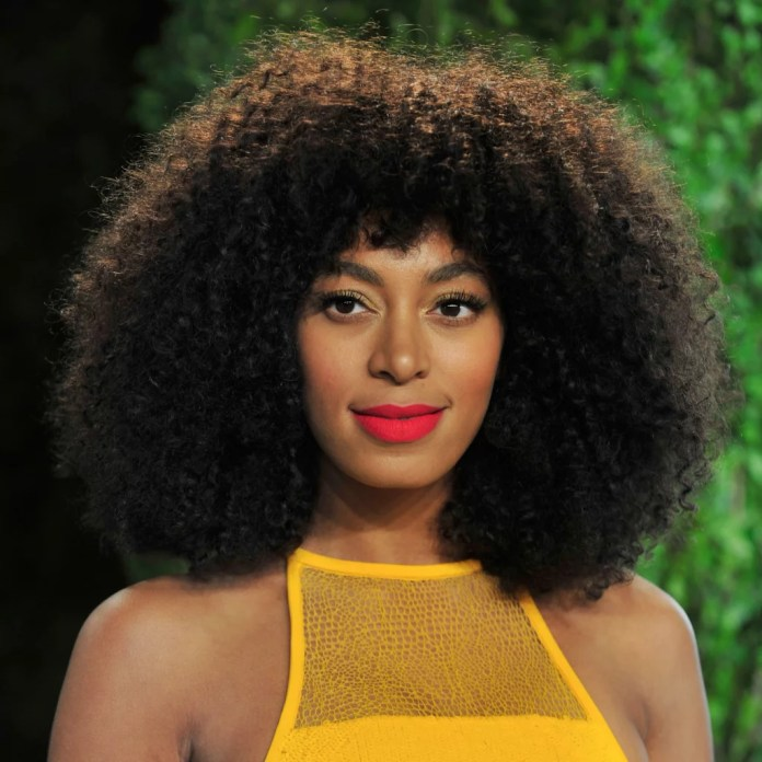 Solange Knowles curly bangs