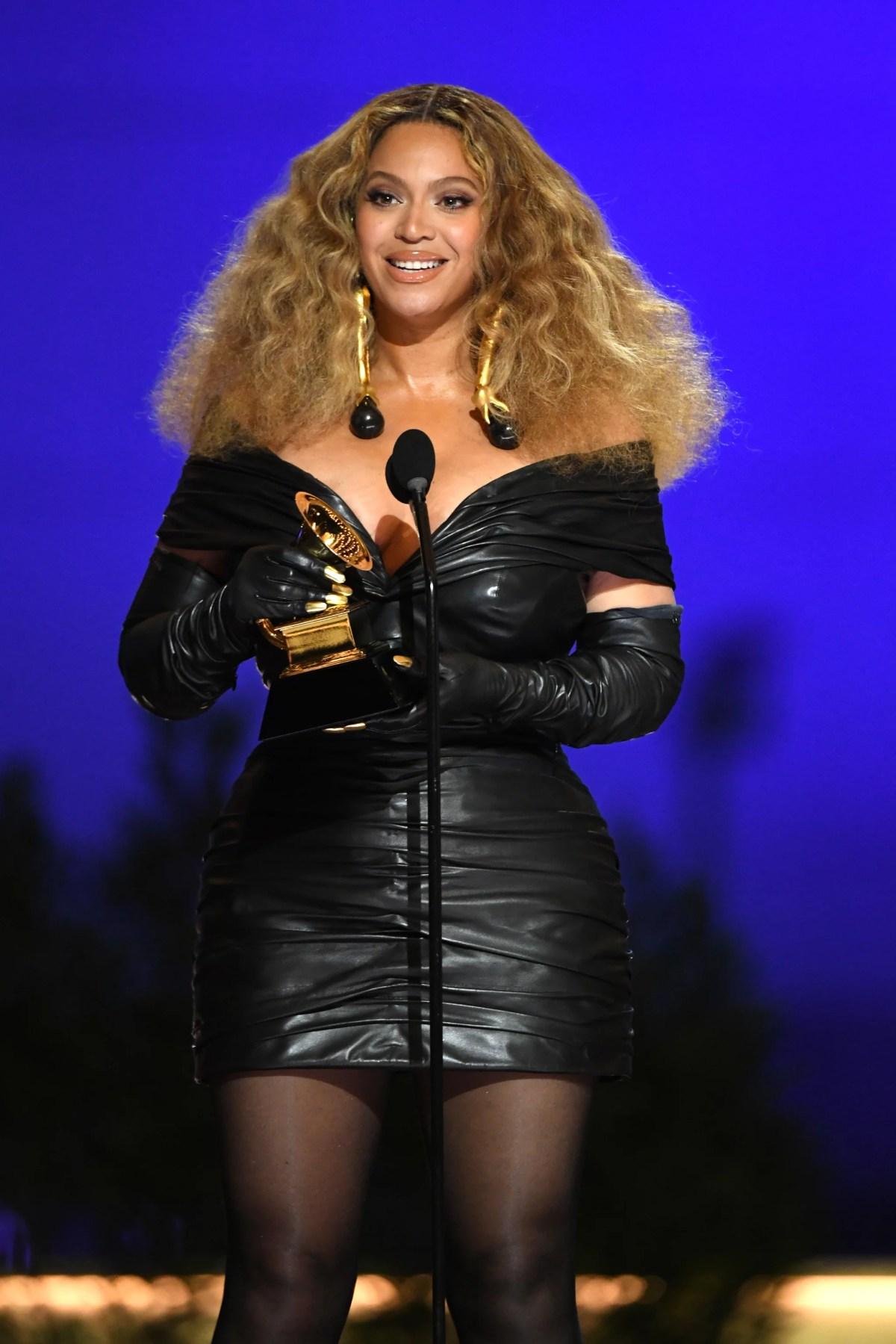 Watch Beyoncé's Acceptance Speech at Grammys 2021 | POPSUGAR Entertainment
