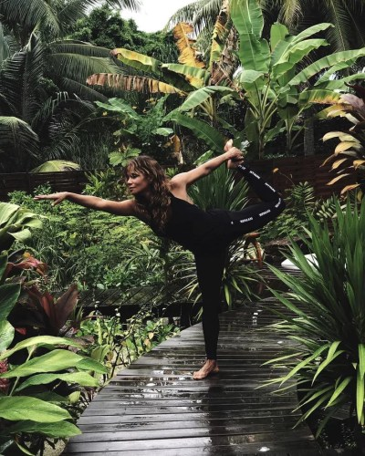 Halle Berry's Vacation Workout | POPSUGAR Fitness