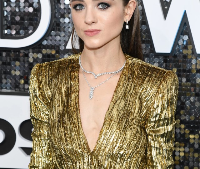 Natalia Dyer At The  Sag Awards These Sexy Sag Awards Red