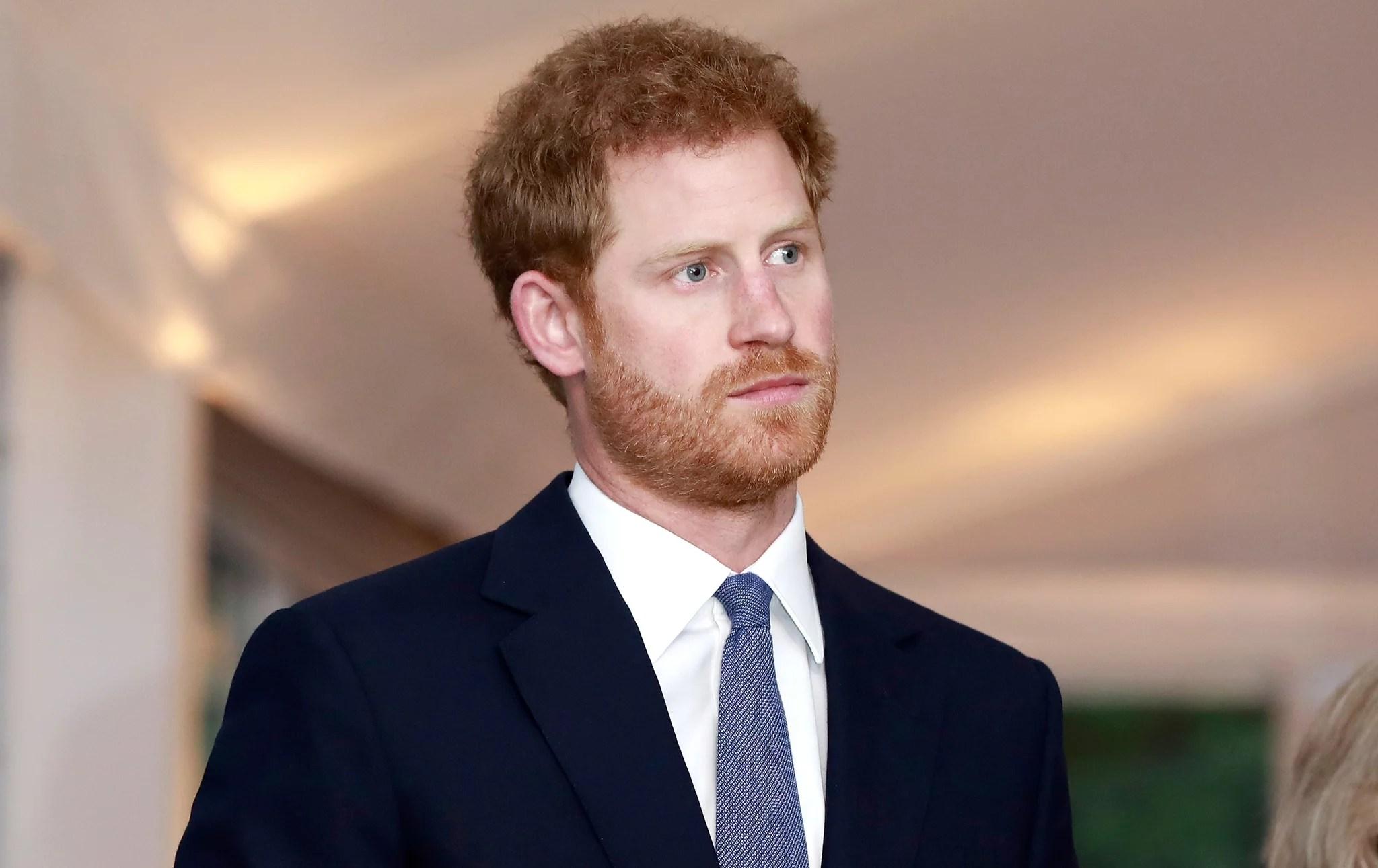"""Principe Harry Was """"molto vicino ad una ripartizione completa"""" dopo Death di principessa Diana"""