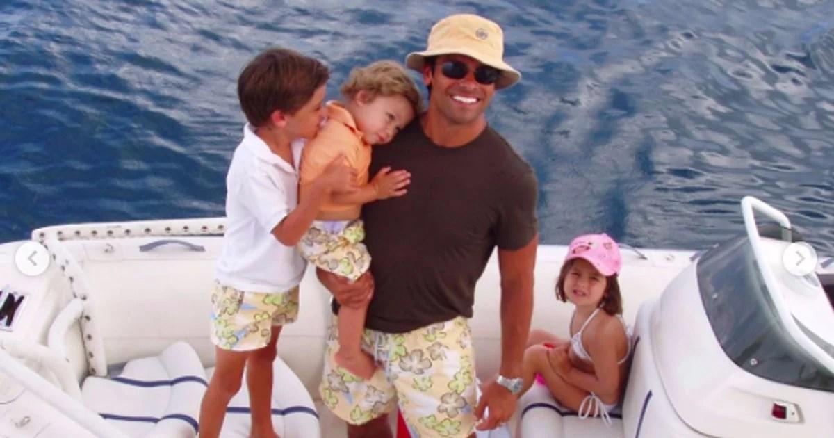 Kelly Ripa augura a segno Consuelos un il buon compleanno con le foto di famiglia intime