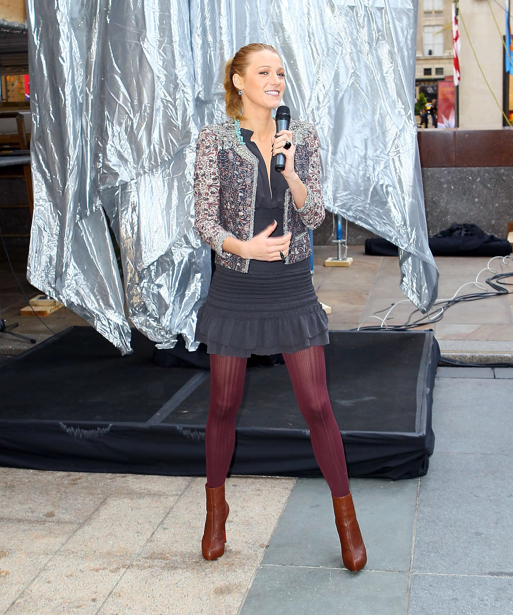 Pictures Of Blake Lively At The Unveiling Of The 2010