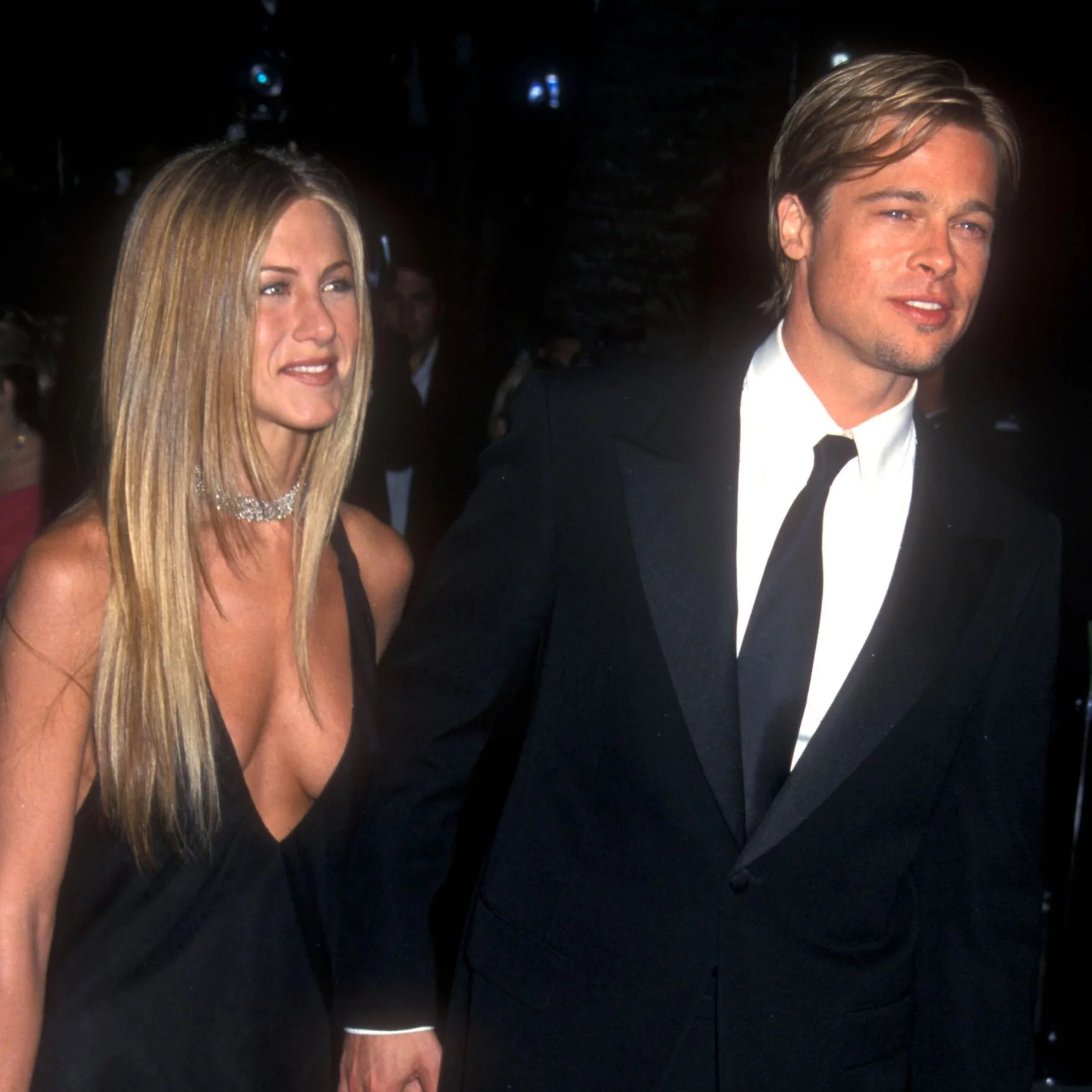 Are Brad Pitt And Jennifer Aniston Friends Popsugar Celebrity