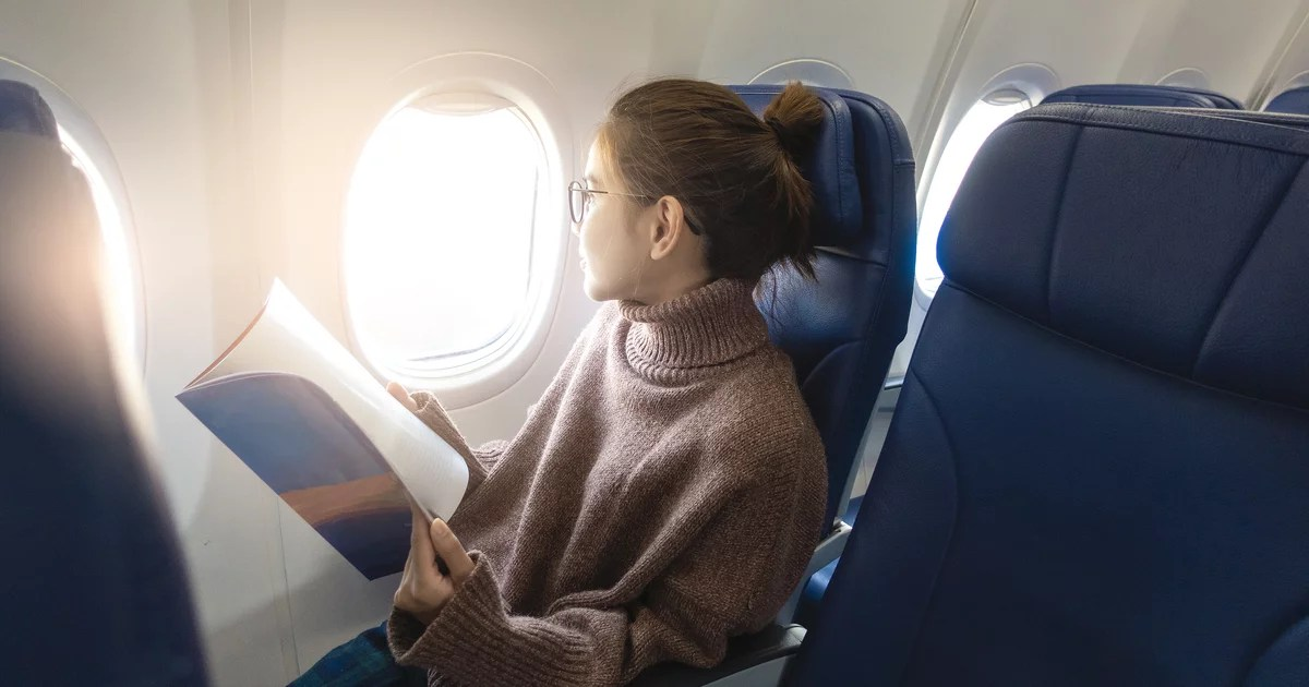 8 Joggers Thatll Make Your Next Long Flight Way More Comfortable