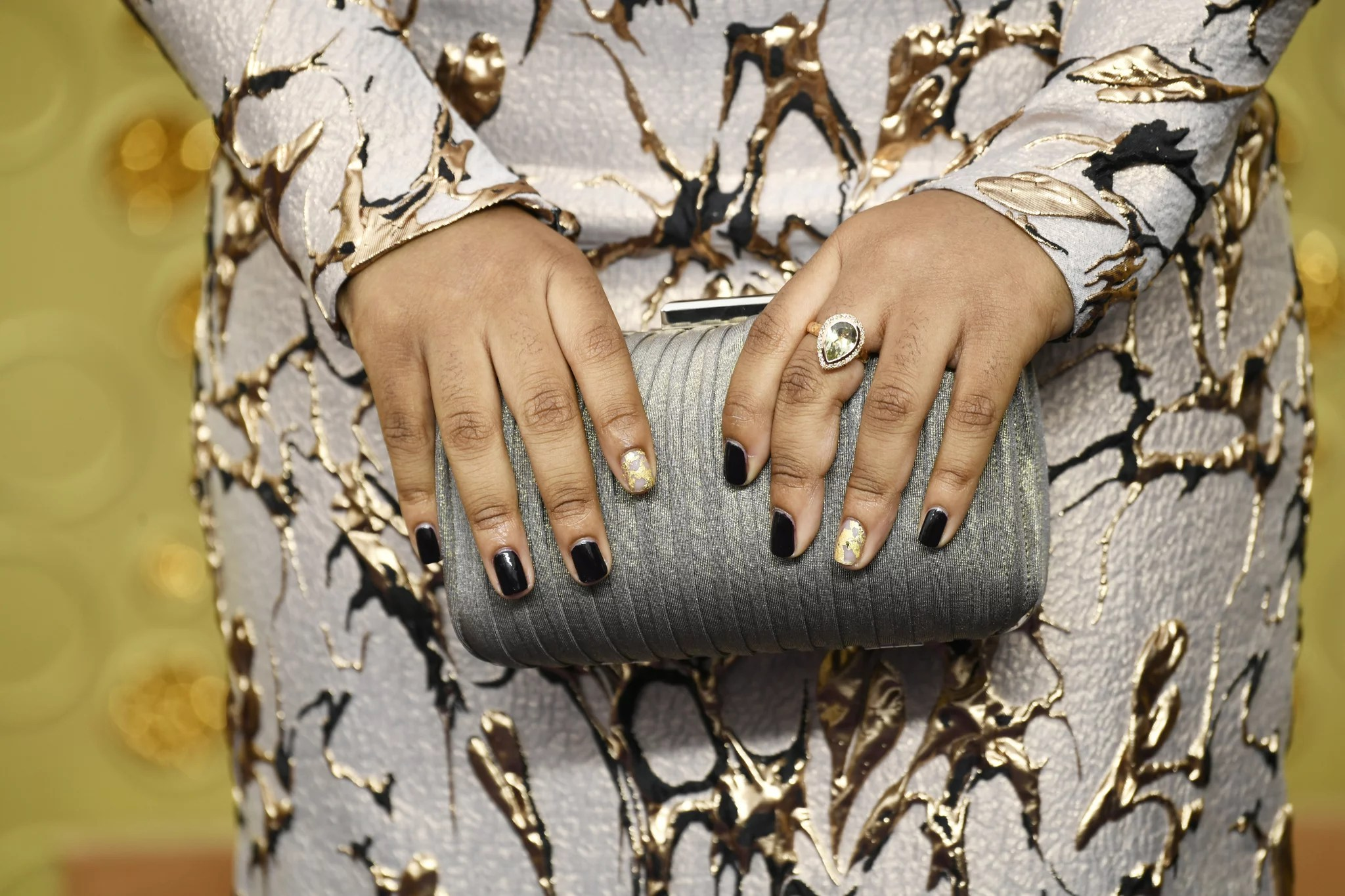 2020 Nail Art Trend Cracked Gold Leaf 20 Of The Coolest Nail