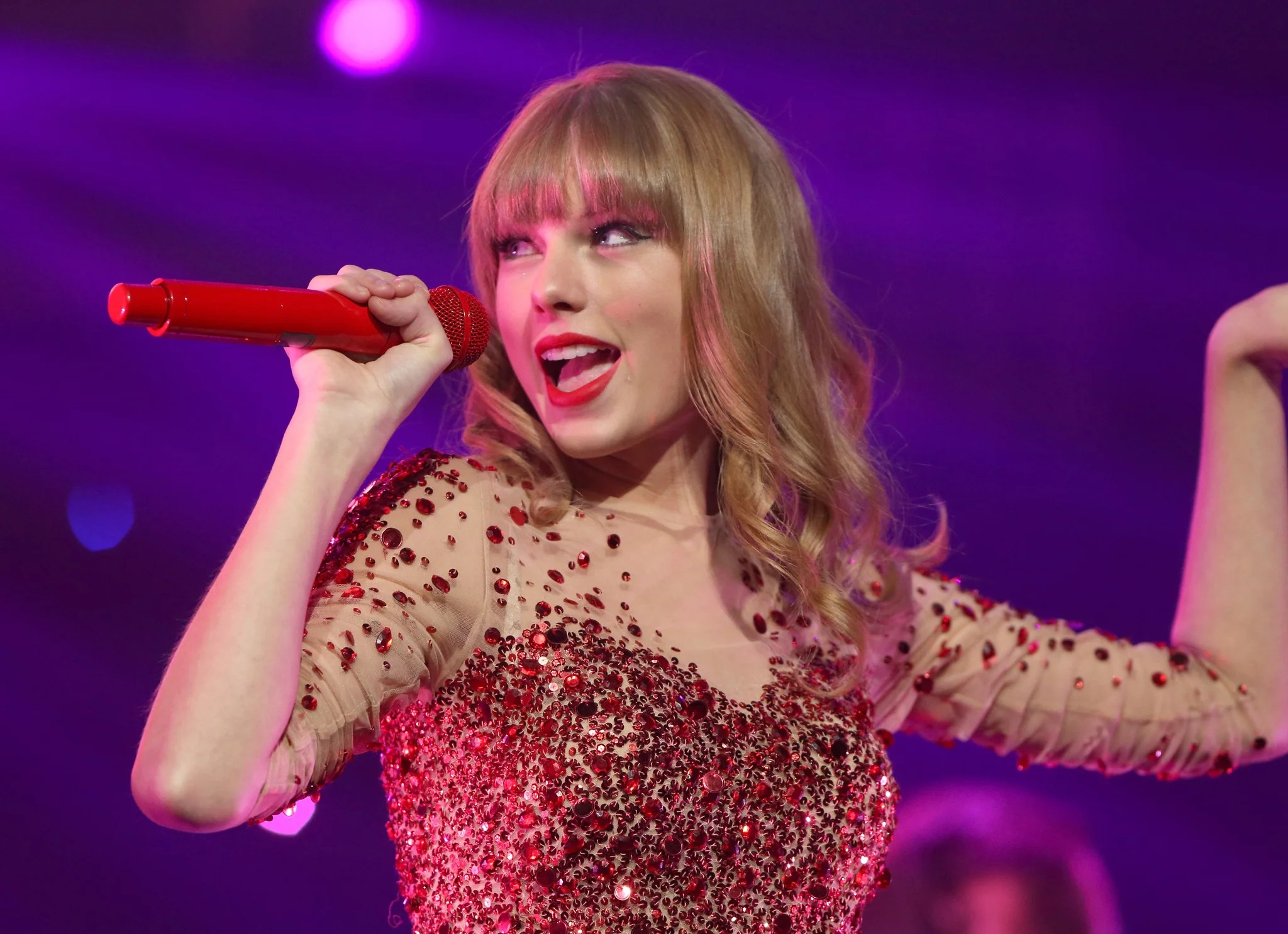 LOS ANGELES, CA - DECEMBER 01:  Singer Taylor Swift performs onstage during KIIS FM's 2012 Jingle Ball at Nokia Theatre L.A. Live on December 1, 2012 in Los Angeles, California.  (Photo by Christopher Polk/Getty Images for Clear Channel)
