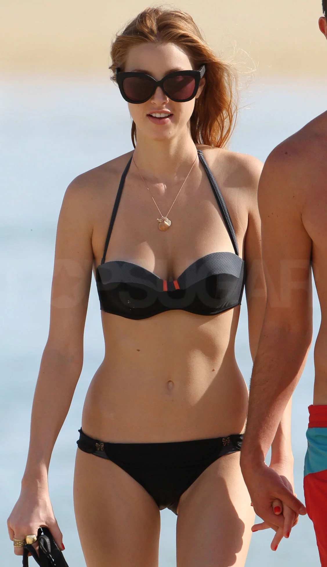 10 Pics Of Shirtless Celebs At The Beach J 14