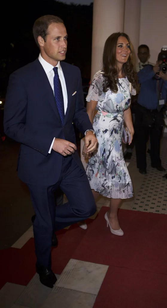 Pictures Of Prince William And Kate Middleton Drinking