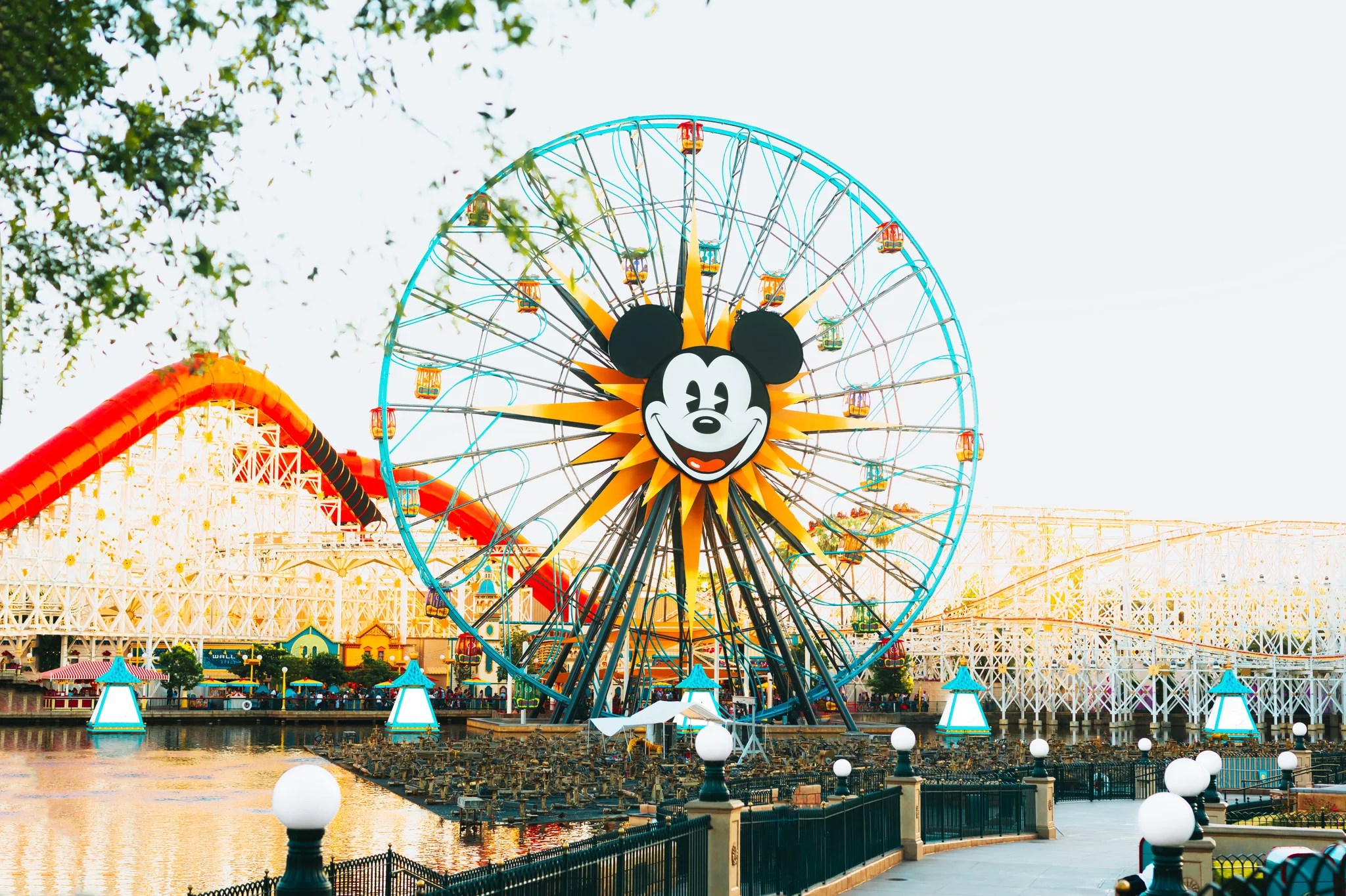 What Day of the Week Is Disneyland the Least Crowded? Effectively, Technically There Are 2