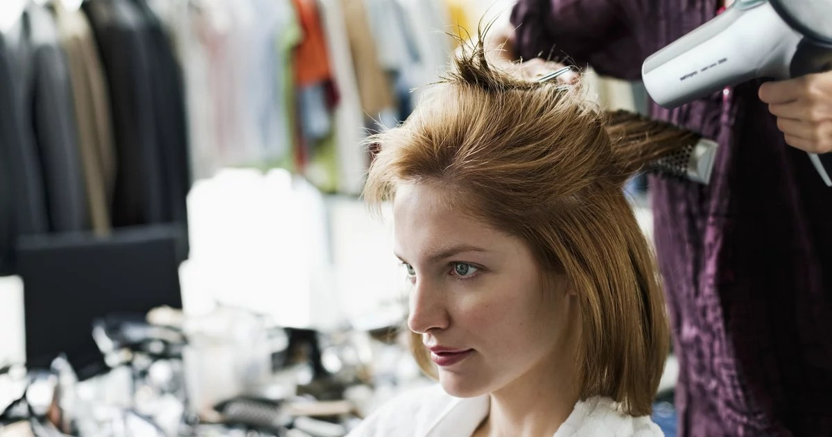 Are In-Home Beauty Services the Safer Alternative to Salon Visits Right Now?