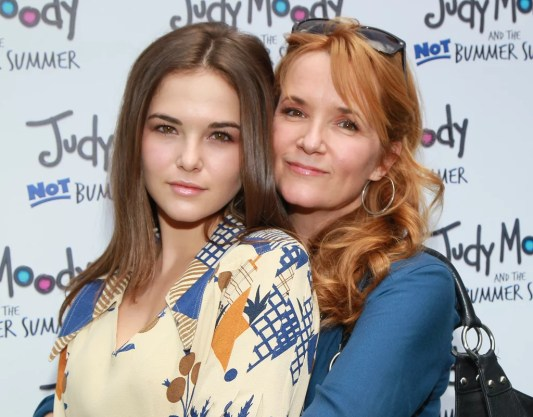 Image result for zoey deutch and Lea Thompson