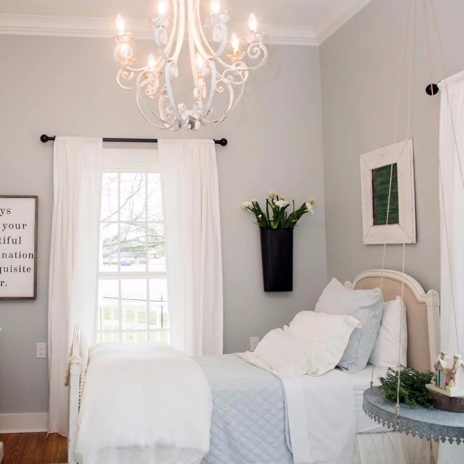 how joanna gaines decorates kids rooms