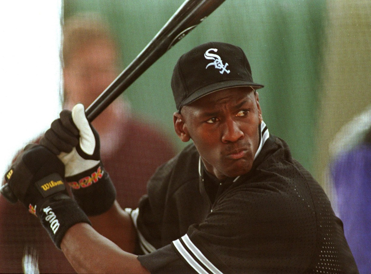 CHICAGO, IL - FEBRUARY 7:  American basketball star Michael Jordan takes batting practice 07 February 1994 with the Chicago White Sox in a bid to play with their baseball team.  (Photo credit should read EUGENE GARCIA/AFP via Getty Images)