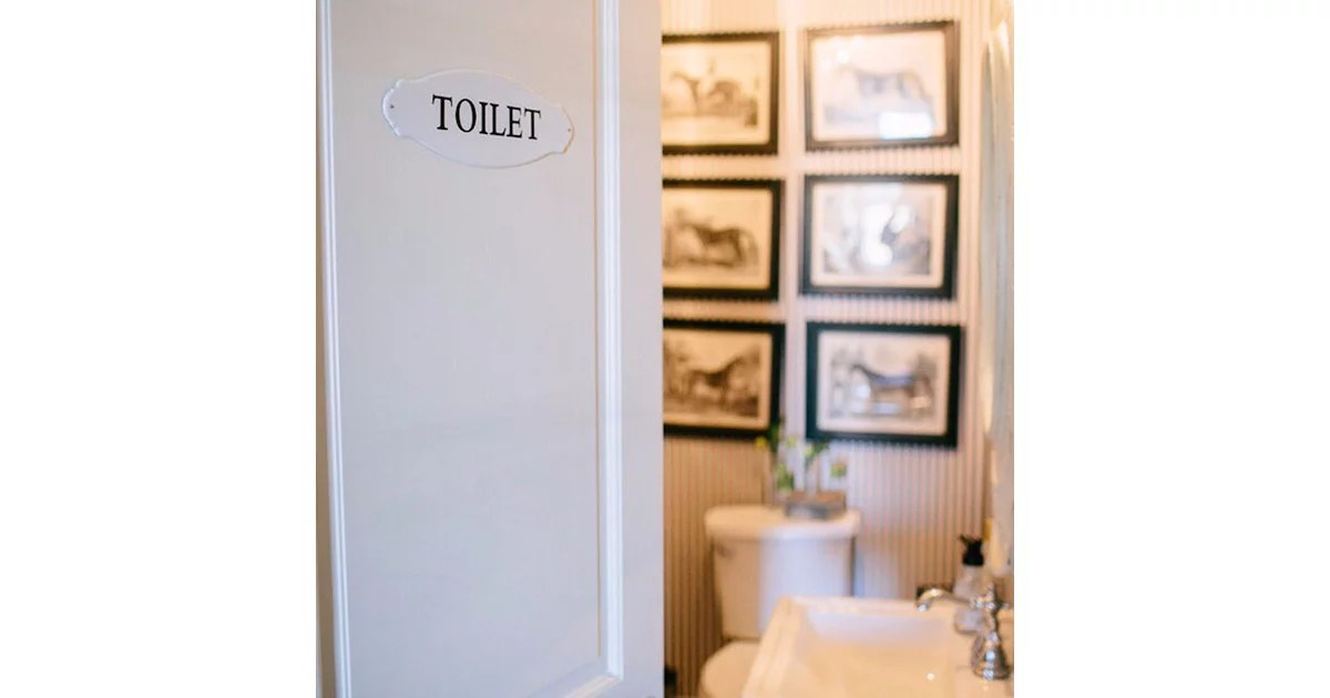 Vintage Signs Help Guests Looking For The Powder Room Vintage Decorating Ideas From Joanna