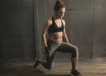 How to Stop Falling Over During Lunges, According to a Certified Personal Trainer