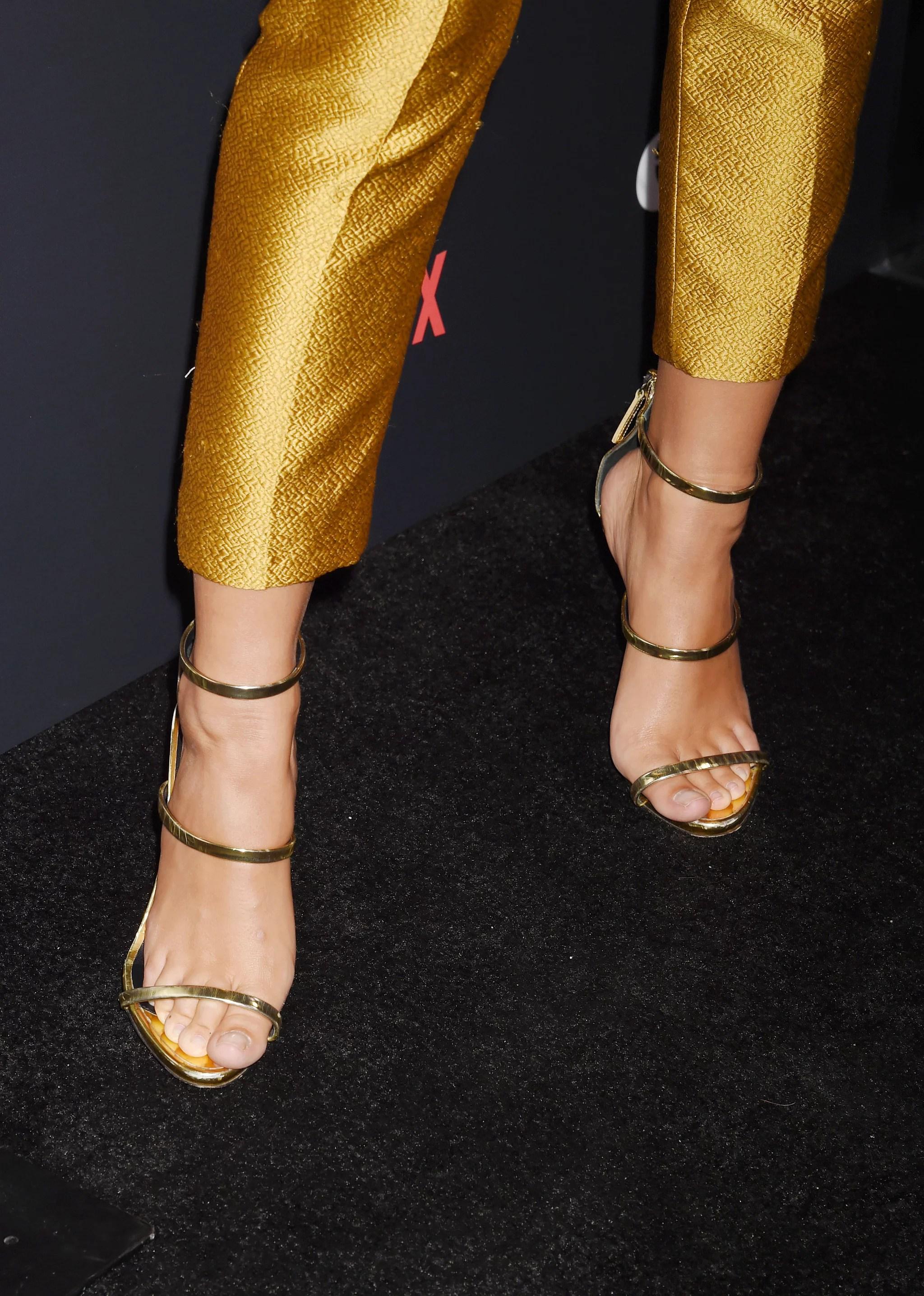 emily ratajkowski s sexy shoes