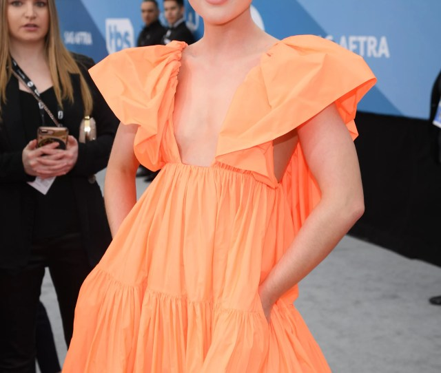 Kathryn Newton At The  Sag Awards These Sexy Sag Awards Red
