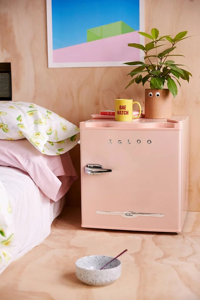 igloo mini refrigerator 15 retro
