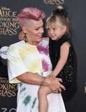 Appena 19 foto estremamente sveglie di P!nk e di sua figlia, salice