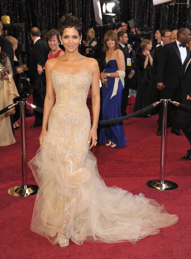 Halle Berry At The 2011 Academy Awards Historic Oscars