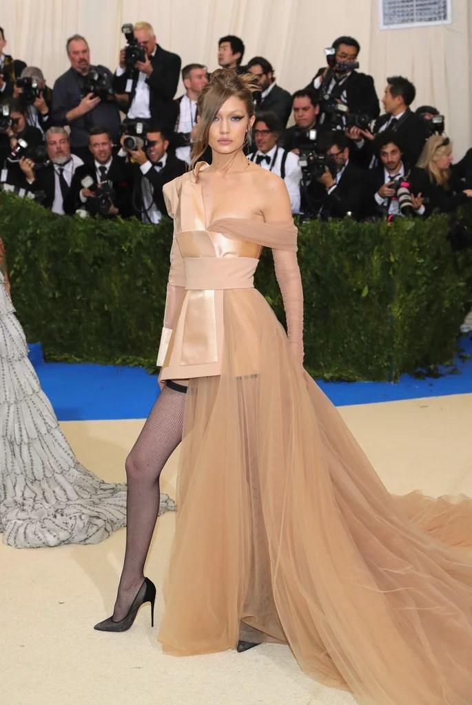 Gigi Hadid In Tommy Hilfiger Dress Met Gala 2017