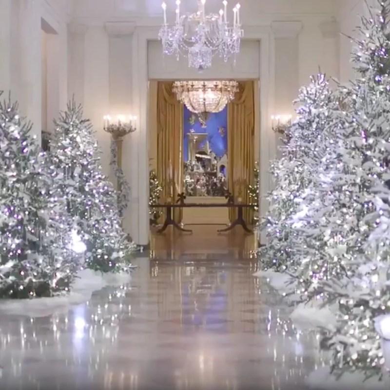 White House Christmas Decorating 2017