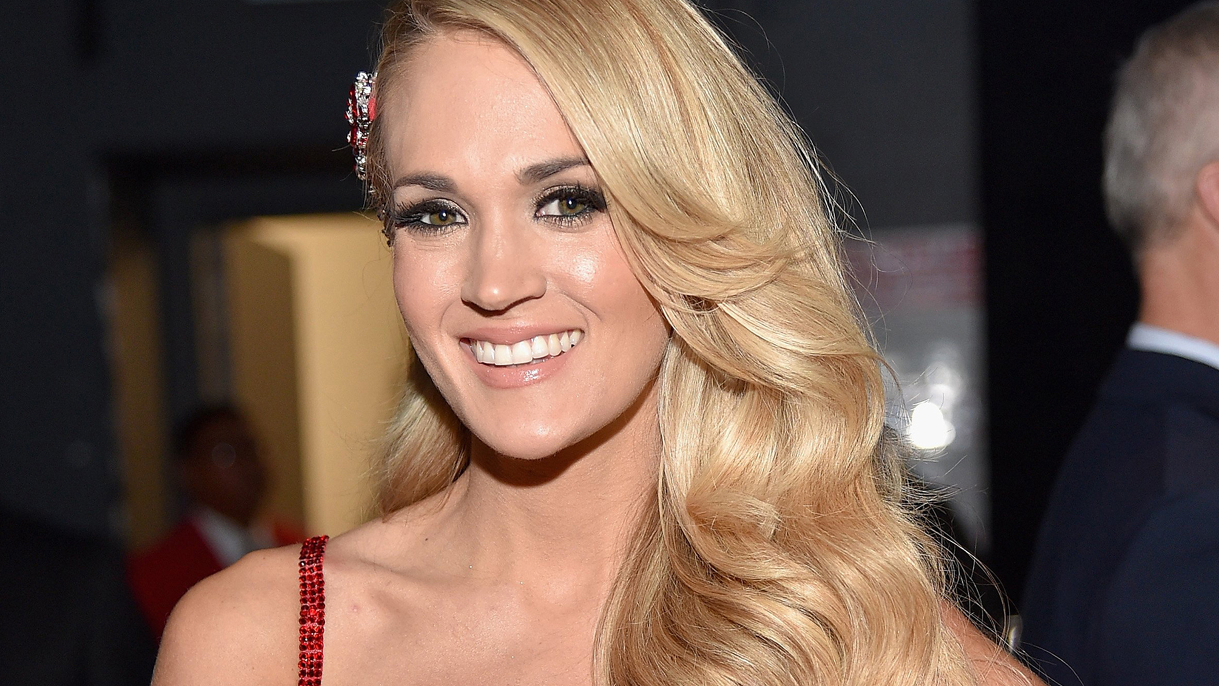 Carrie Underwood Debuts Shorter Trendy Lob Haircut On